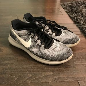 Nike Sneakers in Size 8